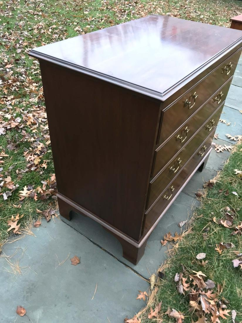 VINTAGE CHEST OF DRAWERS - 4