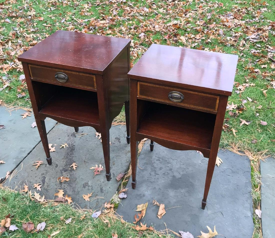 PAIR OF SINGLE DRAWER NIGHT STANDS - 3