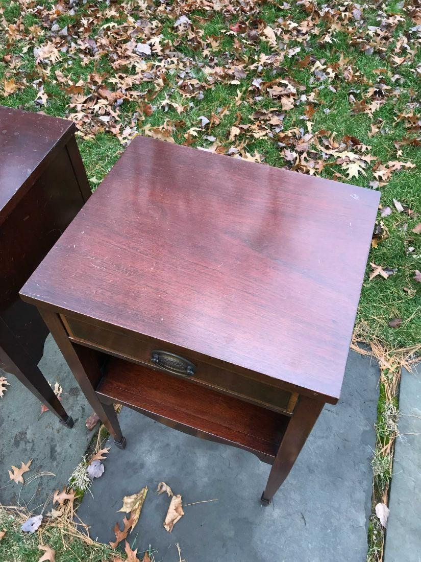 PAIR OF SINGLE DRAWER NIGHT STANDS - 4