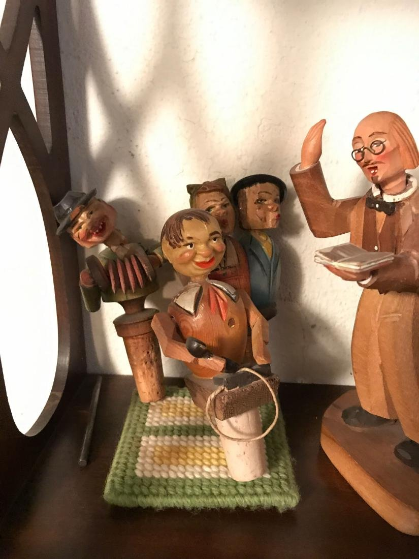 GROUPING OF VINTAGE CARVED WOODEN FIGURES - 2