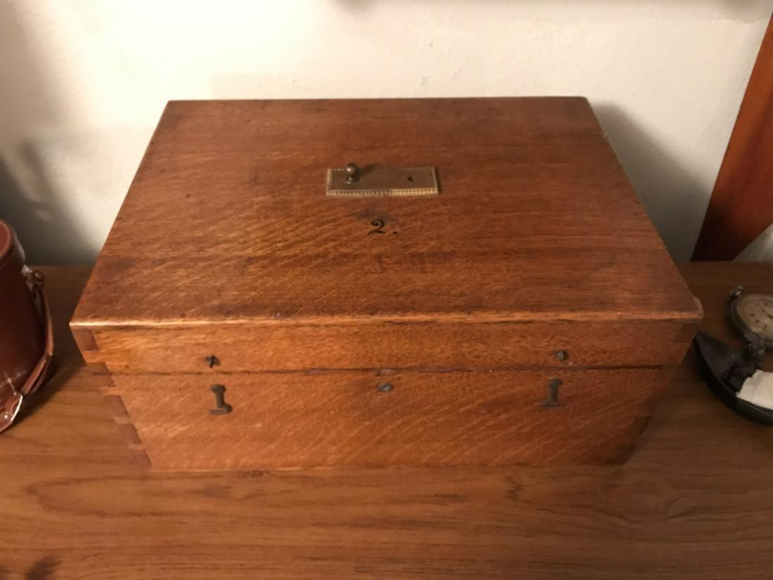 ANTIQUE OAK BOX