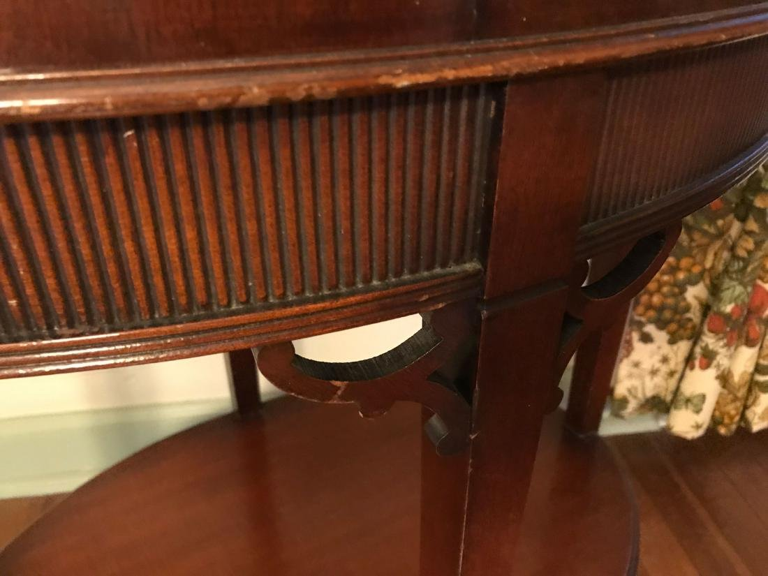 VINTAGE MAHOGANY OCCASIONAL TABLE - 5