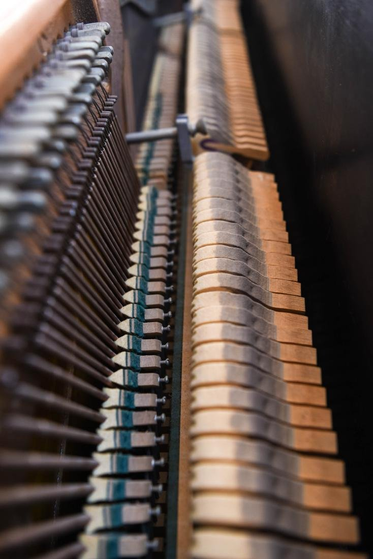 STEINWAY & SONS UPRIGHT PIANO - 11