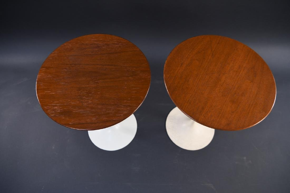 PAIR OF SAARINEN FOR KNOLL DRINK STANDS - 4