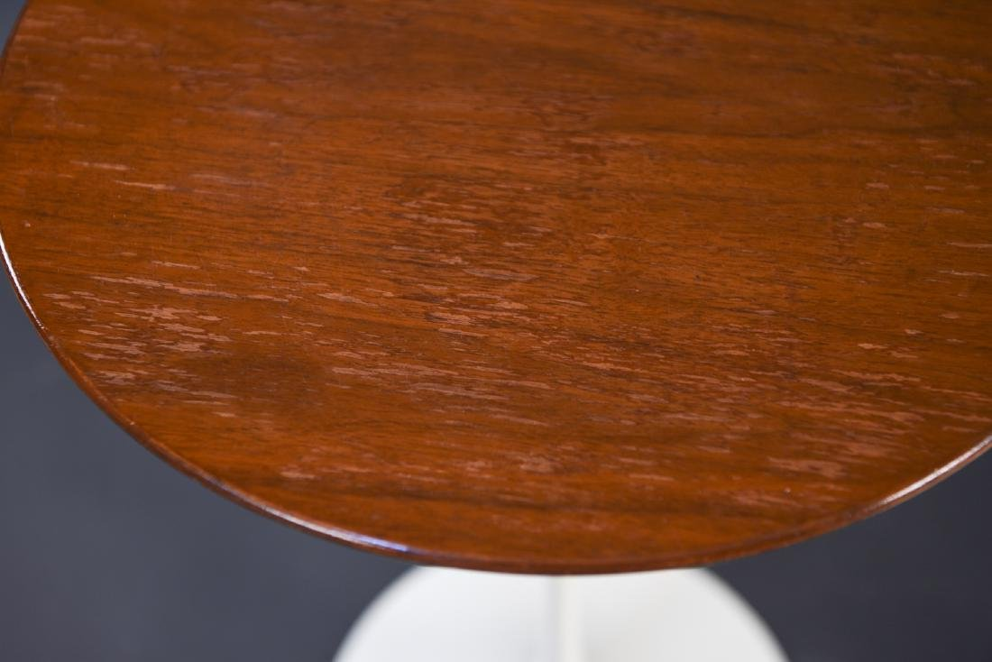 PAIR OF SAARINEN FOR KNOLL DRINK STANDS - 5
