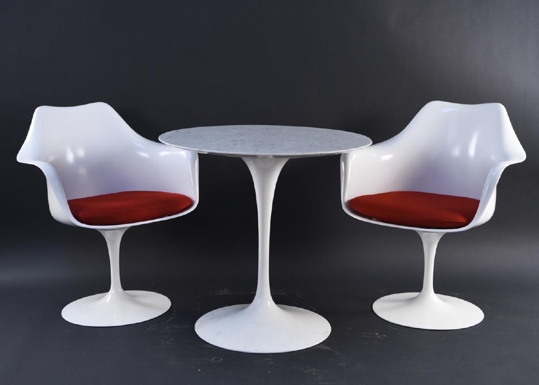 SAARINEN FOR KNOLL TULIP DINING TABLE & ARMCHAIRS
