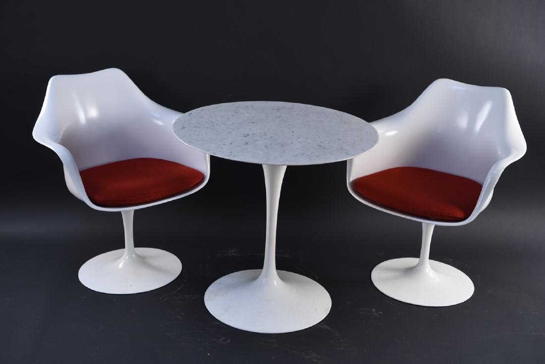 SAARINEN FOR KNOLL TULIP DINING TABLE & ARMCHAIRS - 2