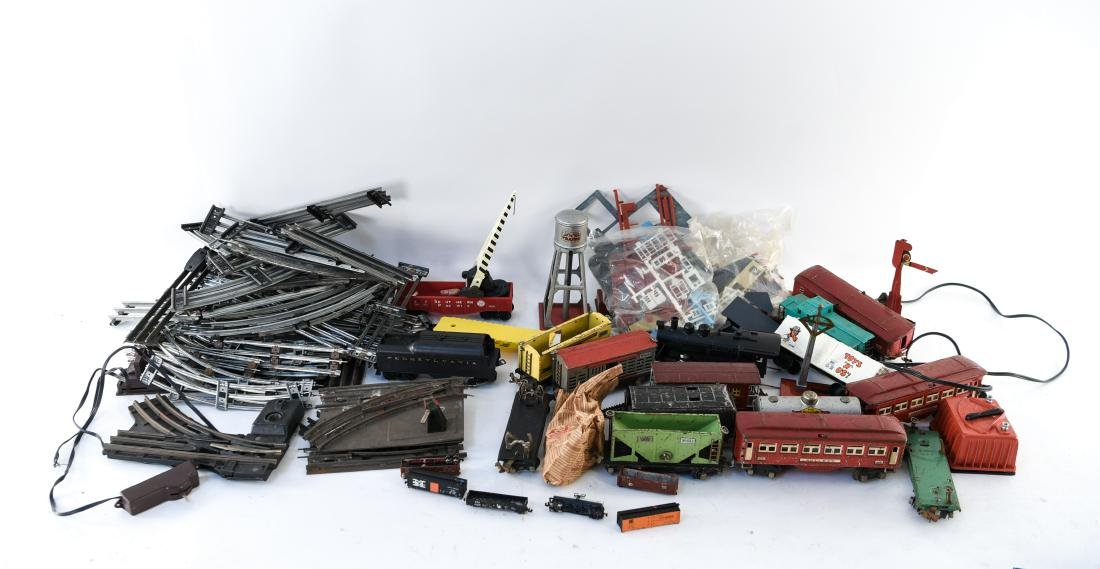 VINTAGE LIONEL TRAIN GROUPING