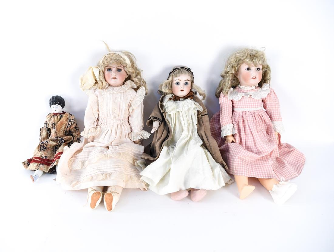 GROUPING OF ANTIQUE GERMAN DOLLS