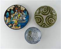 GROUPING OF MID-CENTURY CERAMIC DISHES