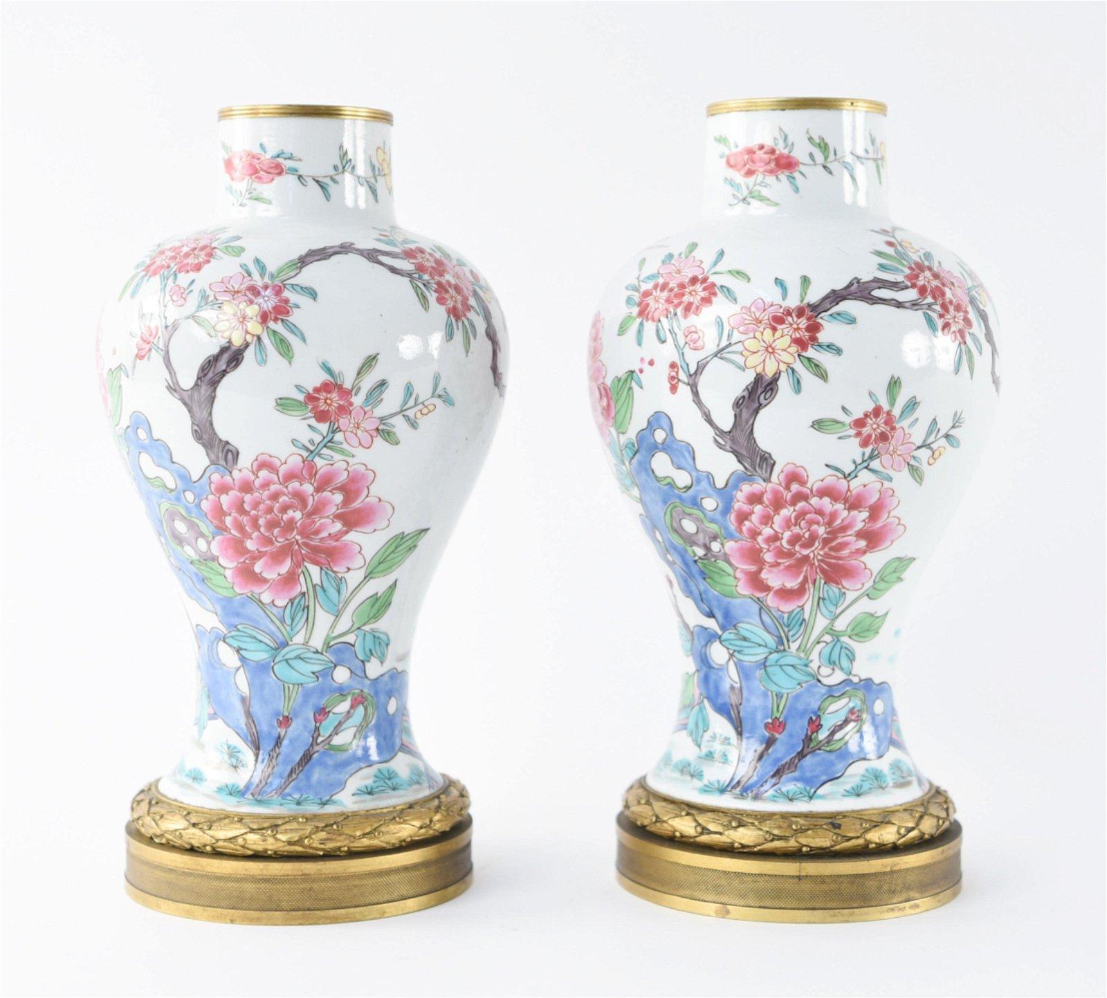 PAIR OF EARLY 19TH C. CHINESE PORCELAIN VASES