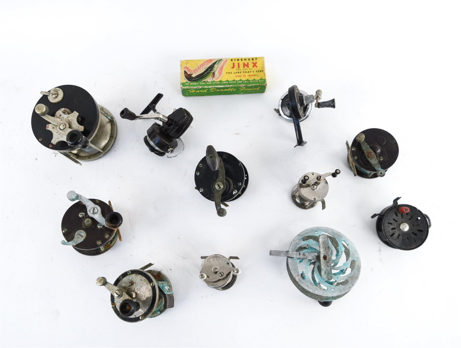 GROUPING OF VINTAGE FISHING REELS