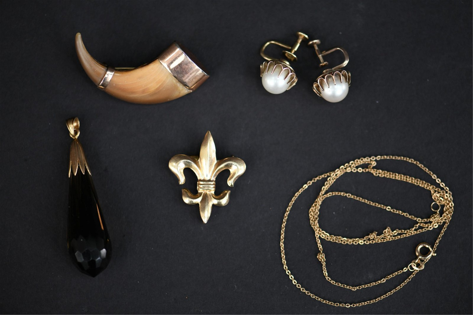 GROUPING OF ANTIQUE JEWELRY INCL GOLD & MIKIMOTO