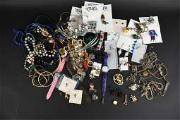 GROUPING OF COSTUME JEWELRY