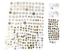 GROUPING OF COINS MOSTLY FOREIGN MONEY