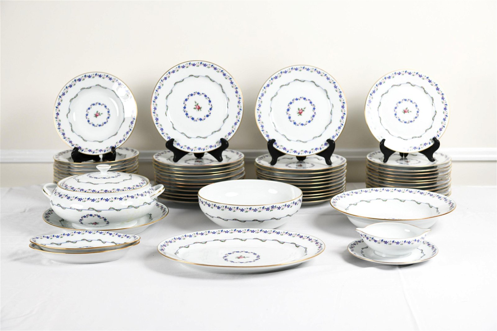 RAYNAUD LIMOGES LUNCHEON PORCELAIN SERVICE