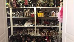 LARGE GROUPING OF CHRISTMAS DECORATIONS