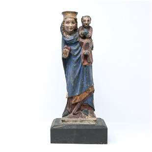 EARLY EUROPEAN MADONNA AND CHILD SCULPTURE