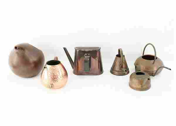 GROUPING OF WATERING CANS