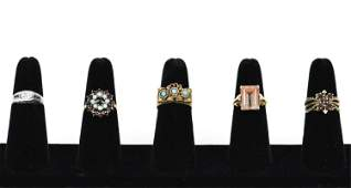 GROUPING OF ANTIQUE RINGS INCL GOLD