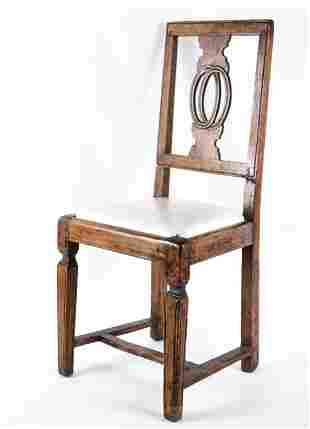ANTIQUE WOODEN SIDE CHAIR