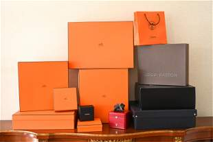 GROUPING OF DESIGNER CLOTHING BOXES INCL. HERMES