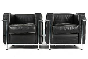 BLACK LEATHER ARM CHAIRS AFTER CORBUSIER