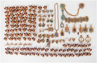GROUPING OF 1950'S ROSE GOLD TONE COSTUME JEWELRY