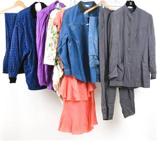 GROUPING OF WOMEN'S VINTAGE CLOTHING