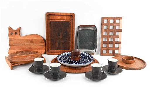 GROUPING OF MID-CENTURY KITCHENWARE INCL. DANSK