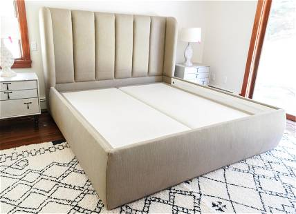 CONTEMPORARY KING SIZE BED BY RCI