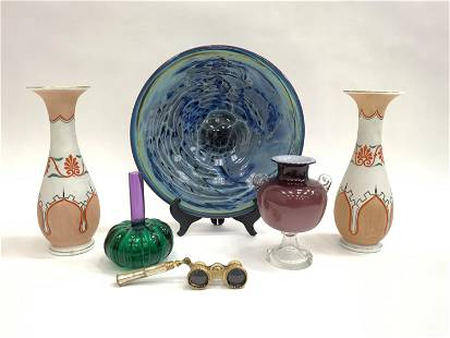DECORATIVE GROUPING INCL. ANTIQUE BRISTOL GLASS