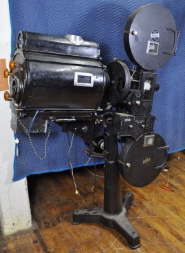 3: 1930S SIMPLEX 35MM MOVIE PROJECTOR