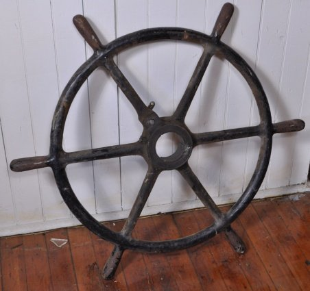 430: LARGE IRON HAND WHEEL