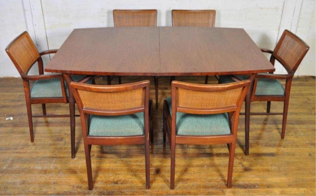 MID-CENTURY DINING TABLE & SIX CHAIRS