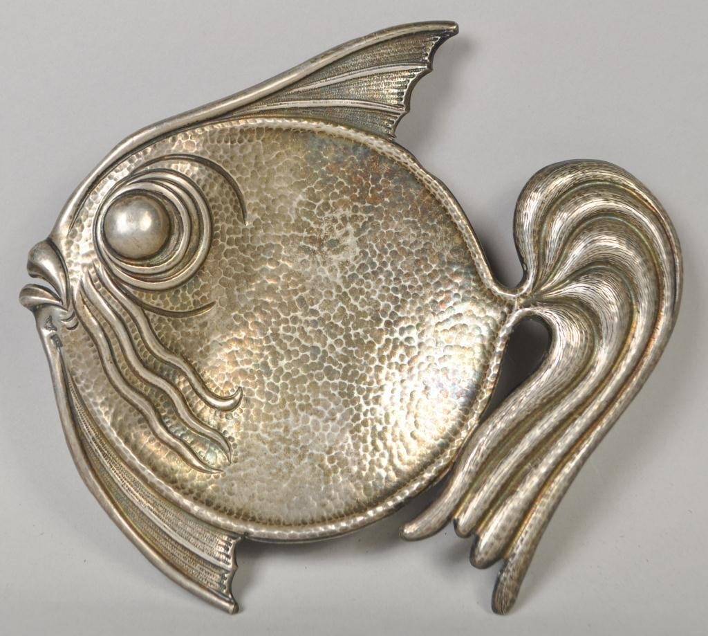 .900 SILVER ART DECO FISH DISH