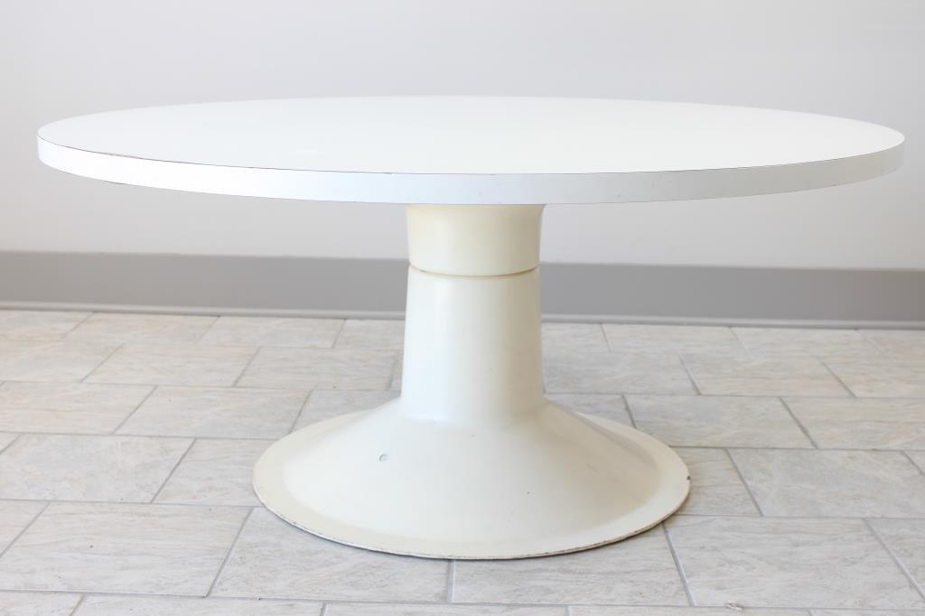 YRJO KUKKAPURO TABLE