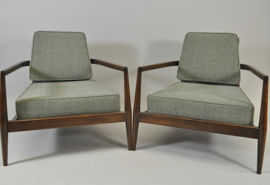PAIR OF OVERSIZED ARM CHAIRS W/ GREY FABRIC