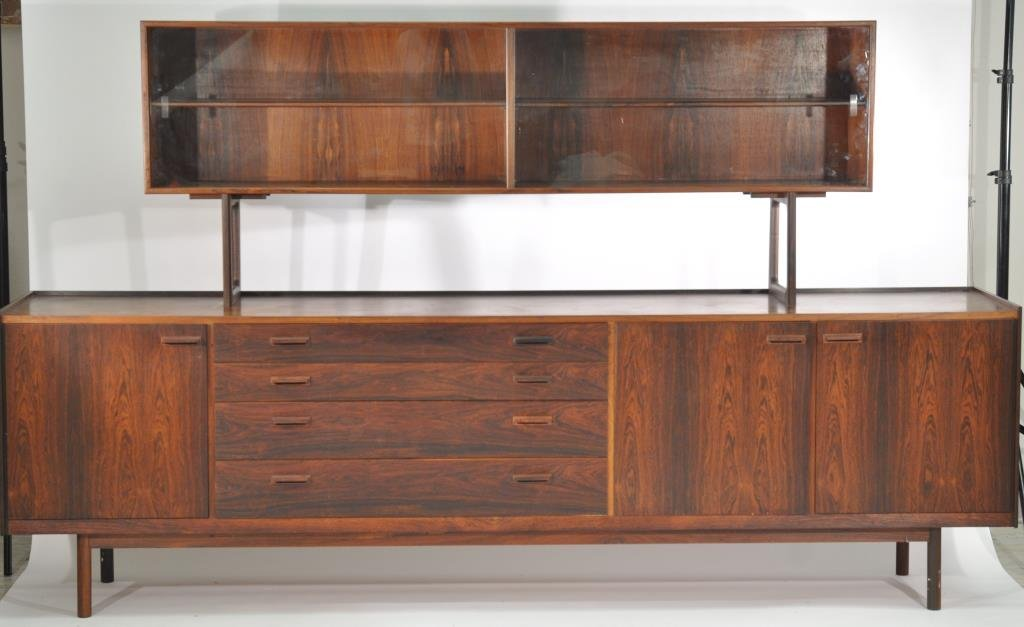 SKOVBY (ATTR.) FINE AND LONG CABINET WITH HUTCH