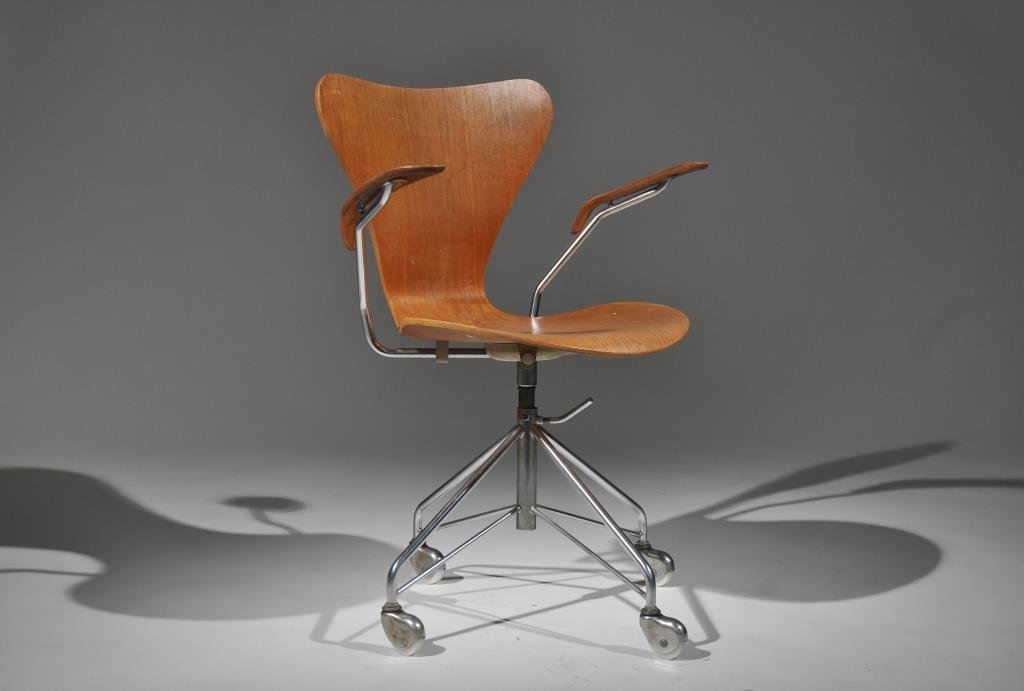 ARNE JACOBSEN SWIVEL DESK CHAIR