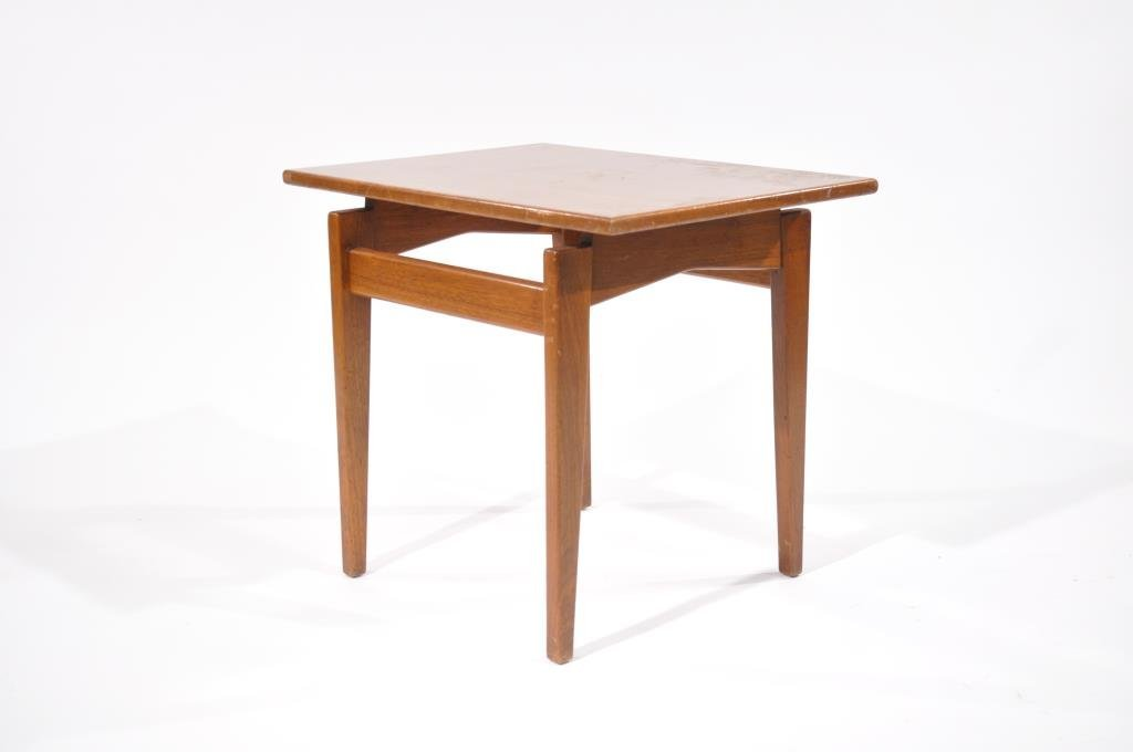 MID-CENTURY JENS RISOM SIDE TABLE
