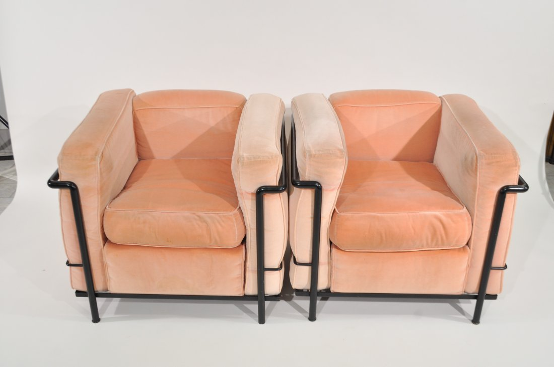 PAIR OF LE CORBUSIER LC2 LOUNGE CHAIRS FOR CASSINA - 3