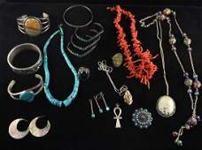 GROUPING OF NATIVE AMERICAN JEWELRY