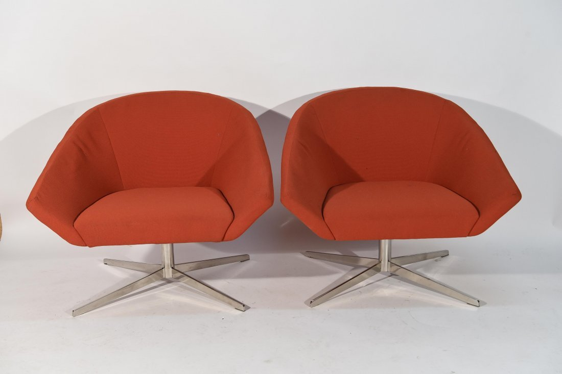(2) STEELCASE LOUNGE CHAIRS