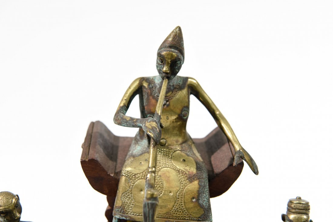 AFRICAN BRONZE SCULPTURE - 4