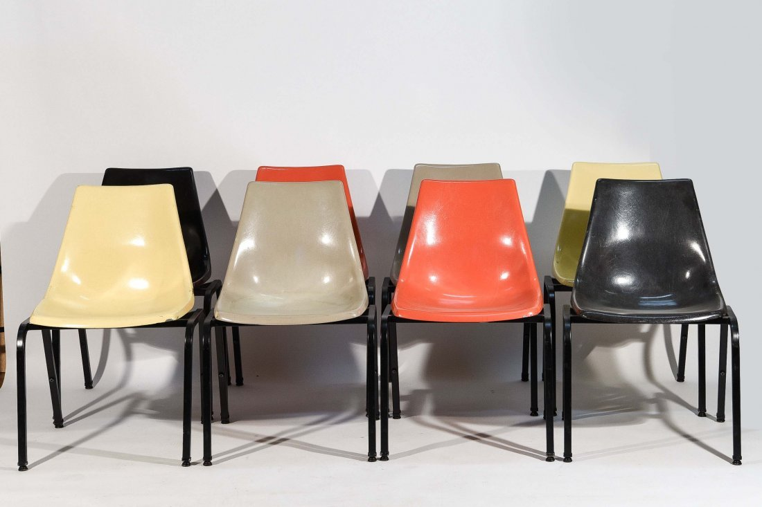(8) EAMES SYLE STACKING FIBERGLASS CHAIRS