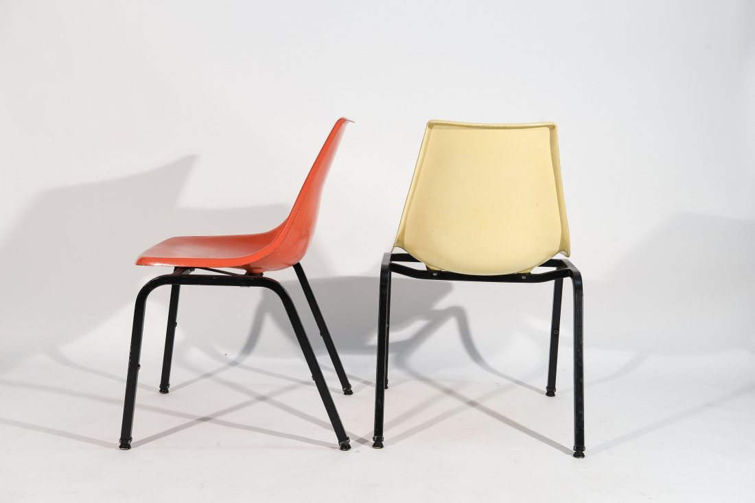 (8) EAMES SYLE STACKING FIBERGLASS CHAIRS - 9
