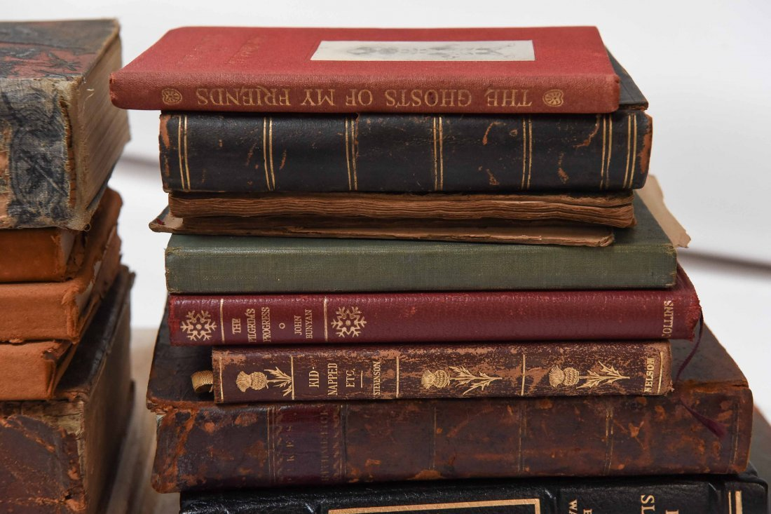 GROUPING OF VINTAGE BOOKS - 2