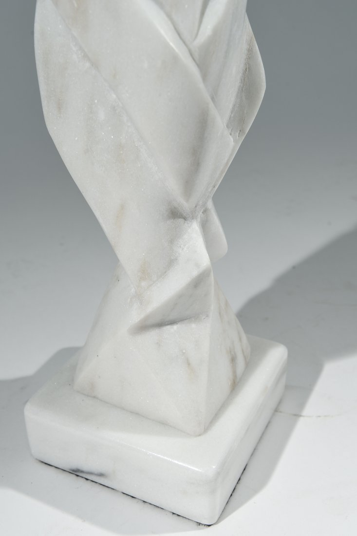 WHITE CARVED MARBLE SCULPTURE - 4