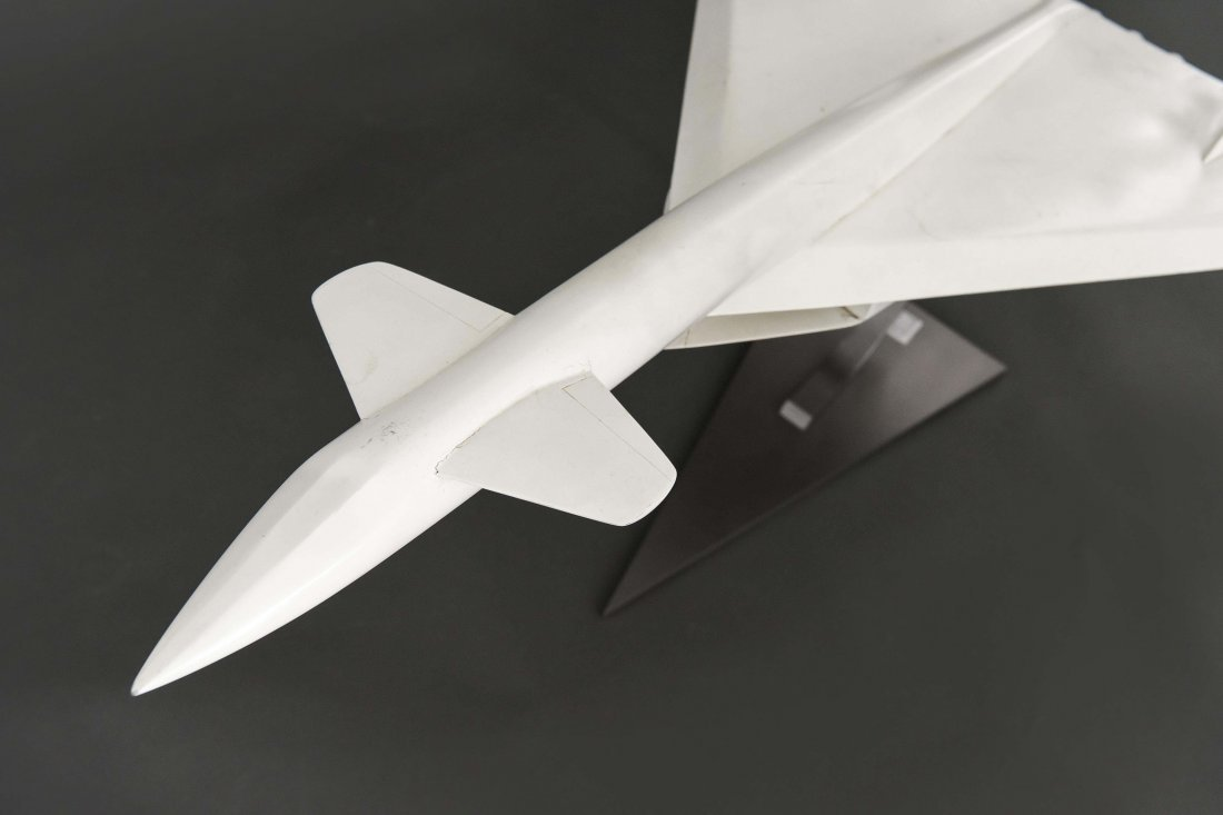 XB-70 VALKYRIE PROTOTYPE AIRPLANE MODEL - 8